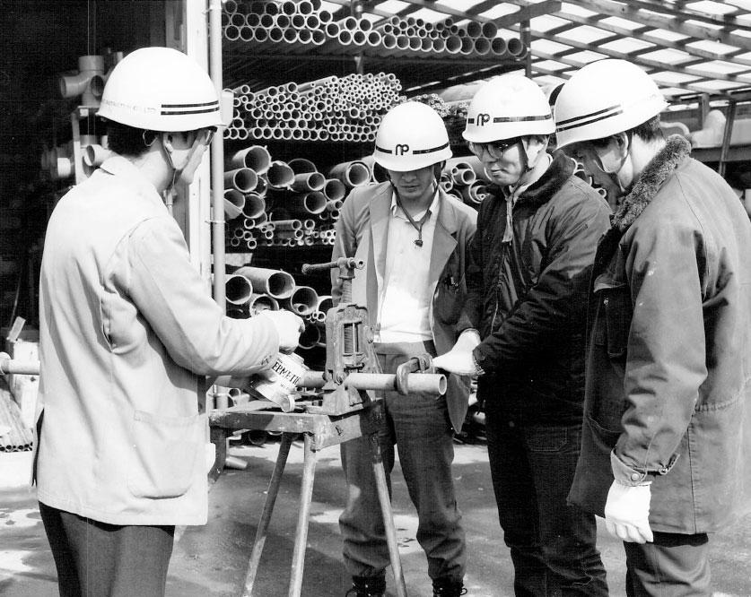 京都市・京田辺市・宇治市・大津市指定給水装置工事事業者の資格を取得。